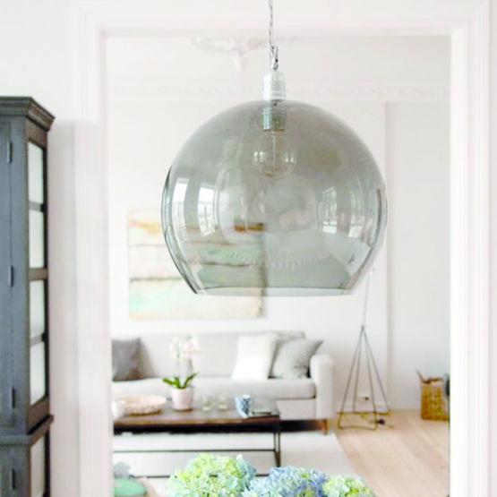 suspension design led en verre gris fum rowan nedgis. Black Bedroom Furniture Sets. Home Design Ideas