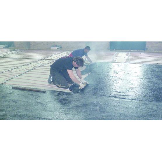Syst me de plancher chauffant noy dans chape asphalte for Prix chape plancher chauffant