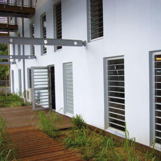 syst me de ventelles lames orientables reynaers aluminium. Black Bedroom Furniture Sets. Home Design Ideas