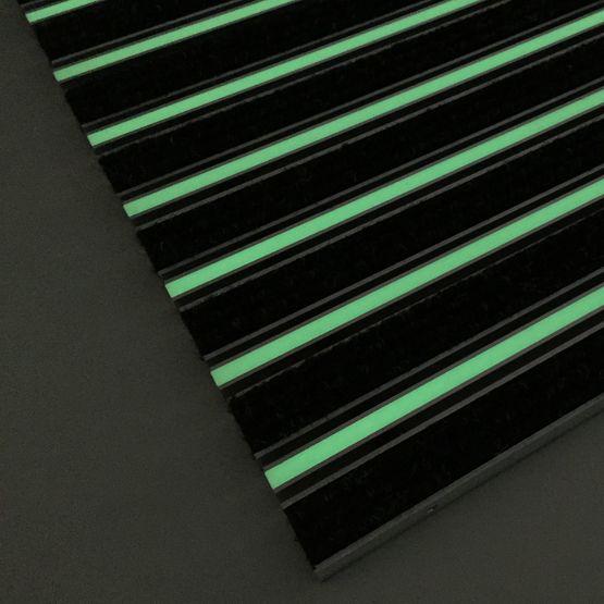 tapis d 39 entr e avec profil phosphorescent pour erp. Black Bedroom Furniture Sets. Home Design Ideas
