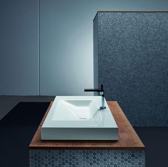 Vasque de salle de bain au design pur en acier titane for Bette salle de bain