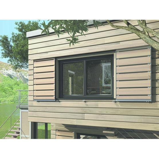 volet coulissant en lames de bois et cadre aluminium. Black Bedroom Furniture Sets. Home Design Ideas
