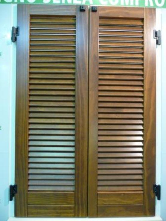 volets et persiennes en bois massif modifi bois accoya grpe solvay. Black Bedroom Furniture Sets. Home Design Ideas