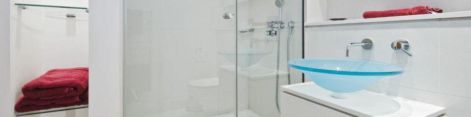 Parois de douche : comment éviter la corrosion du verre ?