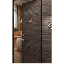 Bloc porte d 39 entr e parements bois moulur les rustiques malerba - Isolation phonique porte entree ...