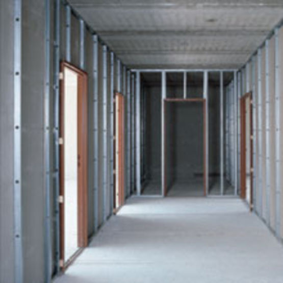 cloison en plaques de pl tre sur ossature en acier galvanis placo. Black Bedroom Furniture Sets. Home Design Ideas