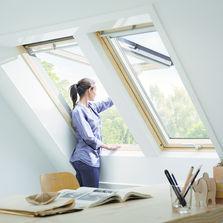 Fen tre de toit produits du btp for Fenetre quadruple vitrage