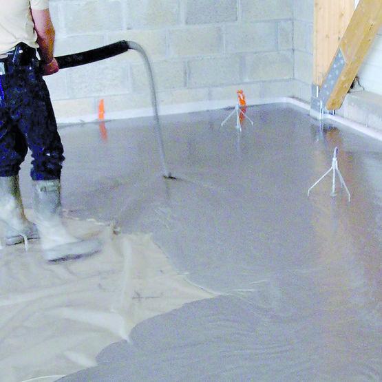 Mortier autonivelant renforc de fibres synth tiques pour - Ragreage sol autonivelant ...