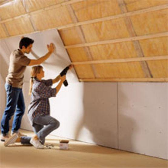 Faux plafond en plaque de pl tre renforc de fibres de for Pose fibre de verre au plafond