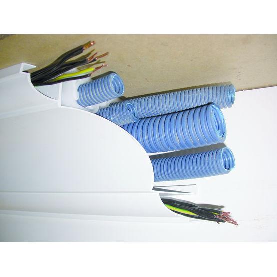 goulotte corniche de plafond cache tuyaux ou gaines lectriques insysteme. Black Bedroom Furniture Sets. Home Design Ideas