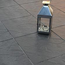 Revêtement De Sol Extérieur En Pierre Reconstituée Du0027aspect Ardoise | Dalle  Corrèze