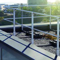 garde corps aluminium barreaudage ou remplissage reynaers aluminium. Black Bedroom Furniture Sets. Home Design Ideas