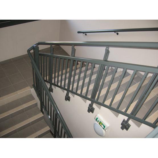garde corps aluminium barreaudage articul pour cages d. Black Bedroom Furniture Sets. Home Design Ideas