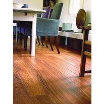 Sol stratifié aspect teck verni | Quick Step Teck