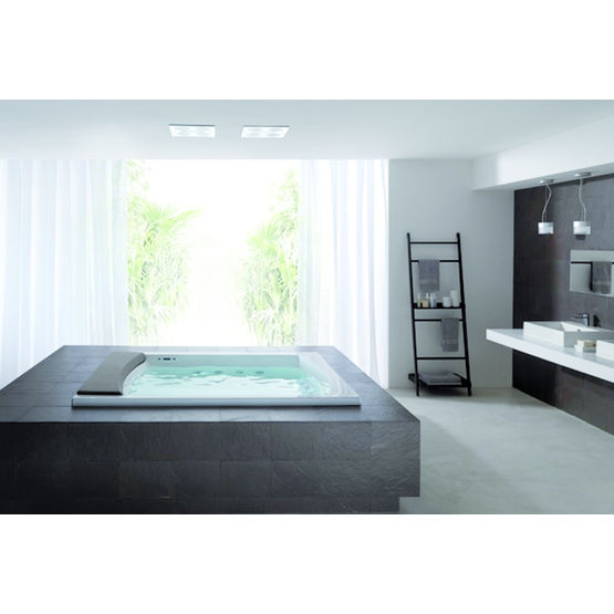 baignoire rectangulaire pour une ou deux personnes teuco. Black Bedroom Furniture Sets. Home Design Ideas