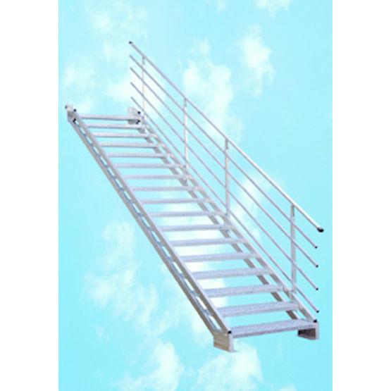 Escalier droit industriel g om trie variable marches petits pic ts bombrun - Escalier industriel droit ...
