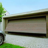 Porte de garage enroulable motoris e en aluminium h rmann - Porte de garage largeur 3 metres ...
